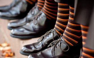 Színes zoknik a vőlegénynek és a vőfélyeknek 6, Colourful socks for the groom and groomsmen 6 Forrás:http://www.weddingandgems.co.uk