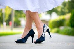 Tengerészkék menyasszonyi cipő , Navy blue bridal shoes Forrás:http://www.etsy.com/
