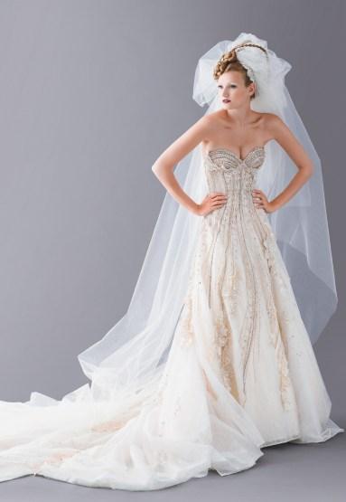 Blanka Matragi menyasszonyi ruha 19 , Blanka Matragi wedding gown 19 Forrás:http://www.blankamatragi.cz