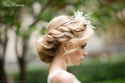 Fonott menyasszonyi frizura 11 , Bridal hair braids 11 Forrás: www.elstile.ru