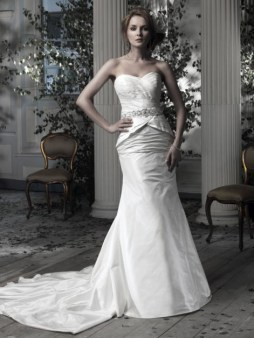 Ian Stuart Frill Me Collection Cavalli Forrás:http://www.ianstuart-bride.com/