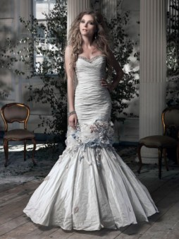 Ian Stuart Frill Me Collection Coco Rico Forrás:http://www.ianstuart-bride.com/