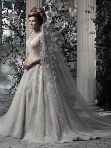 Ian Stuart Frill Me Collection Everdina 3 Forrás:http://www.ianstuart-bride.com/