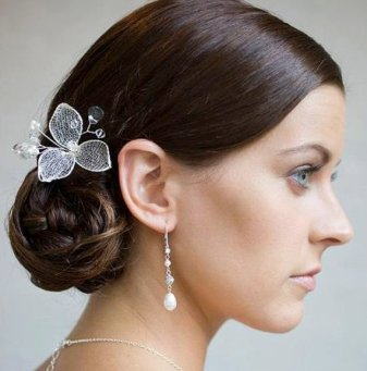 Menyasszonyi frizura ,hosszú barna hajból 10, Bridal long brown hair 10 Forrás:http://www.etsy.com