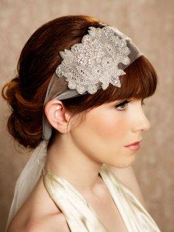 Menyasszonyi frizura ,hosszú barna hajból 18, Bridal long brown hair 18 Forrás:http://www.etsy.com