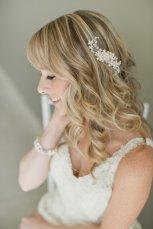 Menyasszonyi frizura ,hosszú szőke hajból 15, Bridal long blonde hair 15 Forrás:http://www.etsy.com