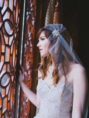 Menyasszonyi frizura Júlia fátyollal 18 , Bridal hairstyles with Juliet cap veil 18 Forrás:http://www.etsy.com