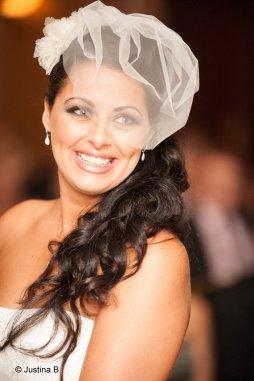 Menyasszonyi frizura kalitka fátyollal 11 , Bridal hairstyles with birdcage veil 11 Forrás:http://www.etsy.com