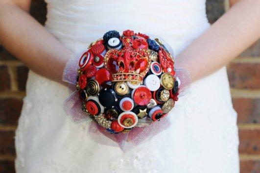 Gombos menyasszonyi csokor 16, Button bridal bouquet 16 Forrás: www.etsy.com