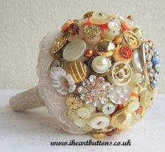 Gombos menyasszonyi csokor 4, Button bridal bouquet 4 Forrás: www.etsy.com