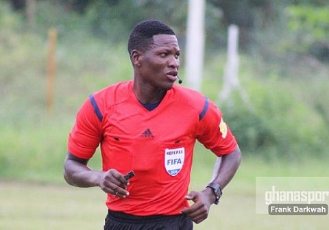 Referee Daniel Laryea