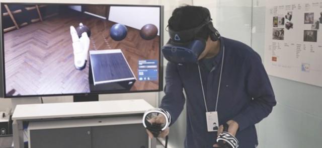 LG的數位設計師Ryu Byoung-gi用VR的形式設計家電產品
