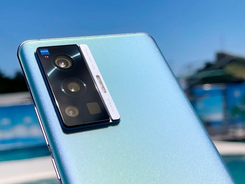 vivo X70 Pro開箱實測與iPhone對決:蔡司人像與夜拍是最大亮點