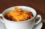 Frito Chili Pie https://onegirlstasteonlife.wordpress.com/2014/01/27/frito-chili-pie/
