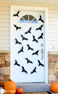 Spiders & Bats Oh My! Dress Up Your Front Door With This ...