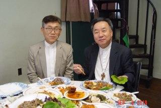 윤 국진목사님과