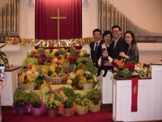 아들,며누리 손녀와...행복한날에.. 목사님가족