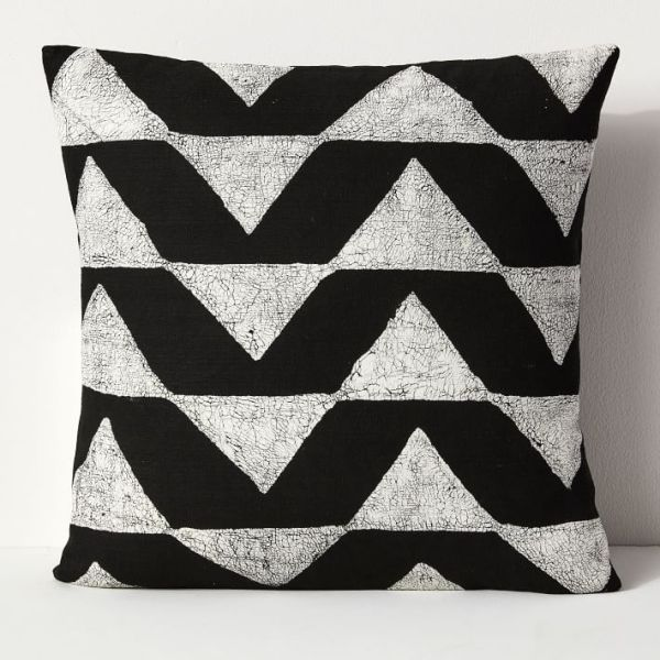 sadza-batik-triangles-pillow-cover-black-o