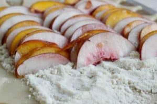 Peaches-on-tart-filling