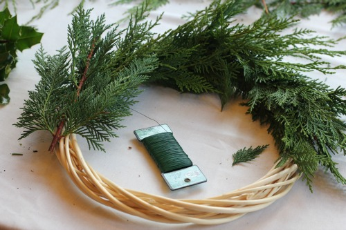 how to make a christmas wreath 4