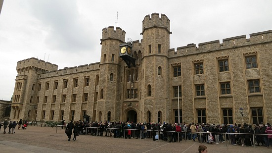 the crown jewels tower of london