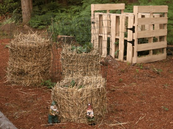 DI Potato Towers Wood Compost Bin