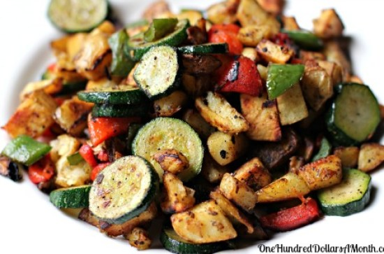 Easy-Brunch-Recipes-Fried-Potatoes-with-Peppers-and-Zucchini