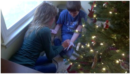 How To Make A No Sew Handprint Christmas Tree Skirt One Hundred  - Make A Christmas Tree Skirt