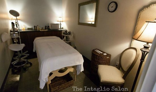 The Intaglio Salon