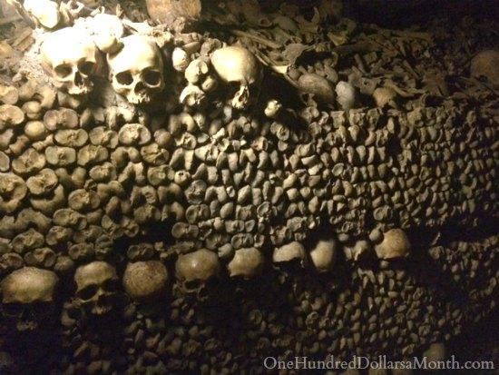 bones catacombs paris