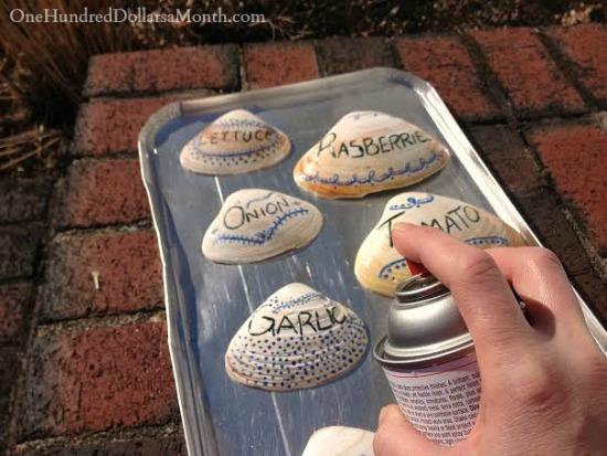 DIY-Garden-Markers-Made-From-Beach-Shells