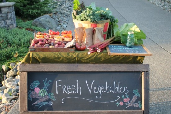 setting-up-a-vegetable-stand-in-your-driveway