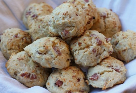 hand-and-cheese-biscuits-recipe-picture
