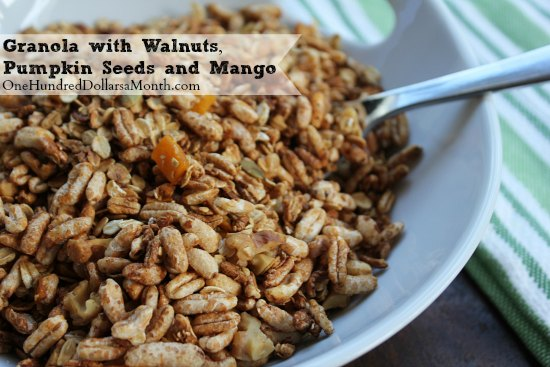 Granola-with-Walnuts-Pumpkin-Seeds-and-Mango1