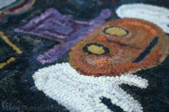 rug-hooking pumpkin