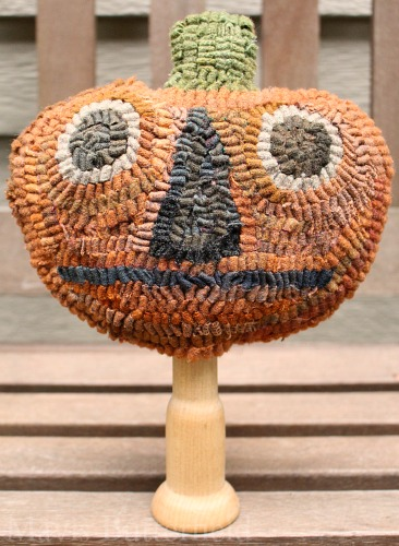 pumpkin head make do hooked rug