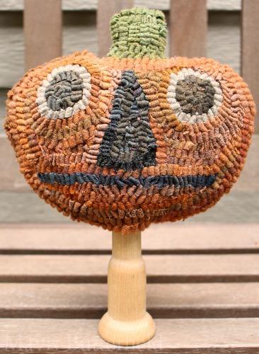 pumpkin head make do hooked rug