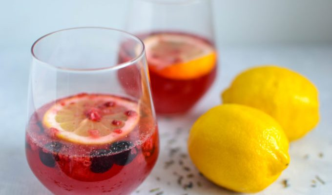 Healthy Lemonade with Berries and Lavender