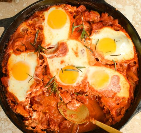 Shakshuka with fennel and goat cheese
