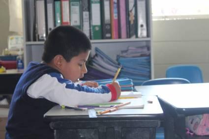 Brindan charla online para incrementar el rendimiento escolar desde casa