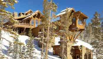 Mountain modern retreat in Montana is embedded into hillside