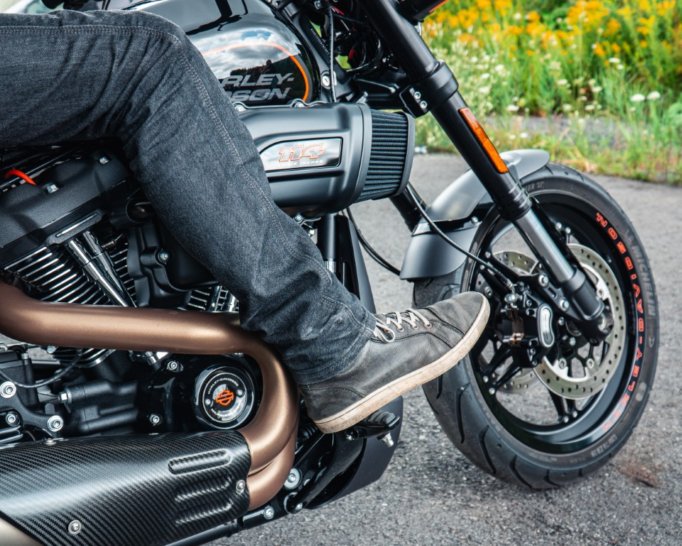 web Oneland - Harley Davidson - FXDR Softail Tour (5) (Moyen)