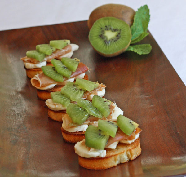 50+ Best Kiwi Recipes - Fresh Kiwi Crostini