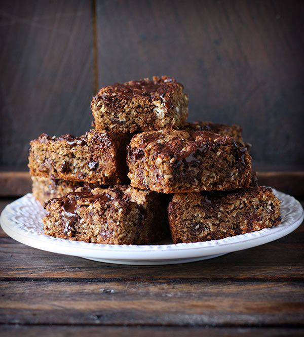 50+ Best Squares and Bars Recipes - Honey Roasted Peanut Butter Chocolate Oat Bars