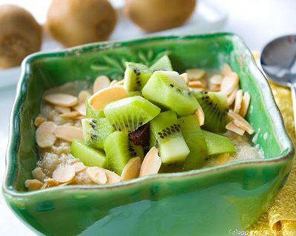 50+ Best Kiwi Recipes - Vegan Kiwi Oatmeal