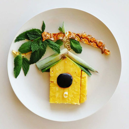 50+ Kids Food Art Lunches - A Fruity Birdhouse