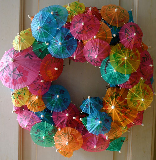 37 Awesome DIY Summer Projects - Paper Umbrella Wreath