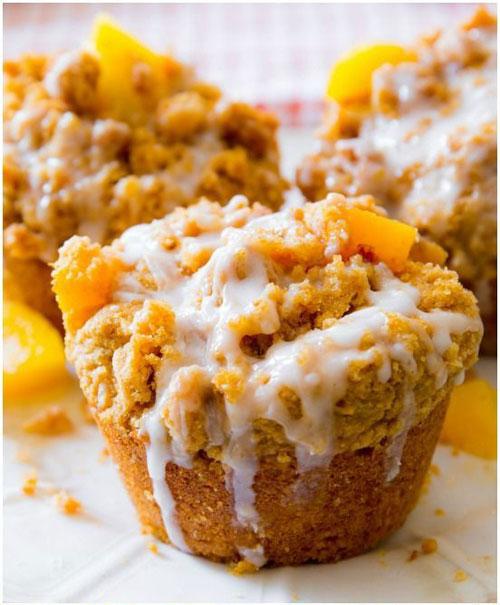 50+ Best Peach Recipes - Peach Streusel Muffins