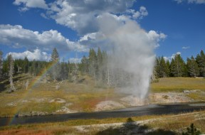 YellowstoneOldFaithful_017