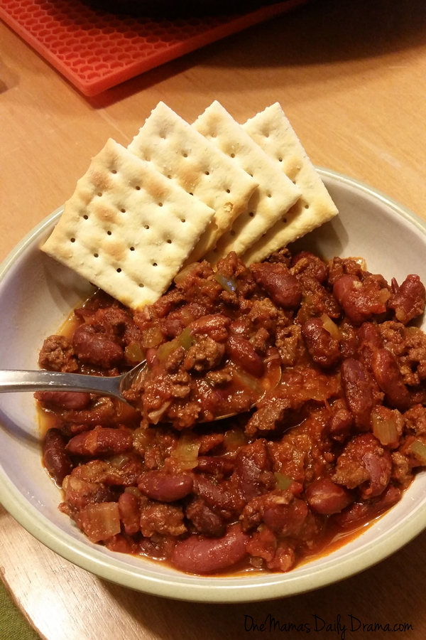 Stove top or slow cooker chili recipe   One Mama's Daily Drama --- The perfect easy, filling meal on a busy fall or winter day!